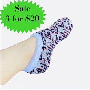 A NEW DAY slipper socks knit booties grip bottom